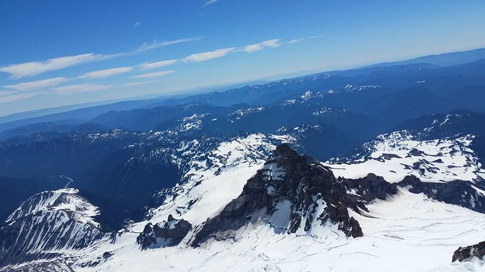 Little Tahoma from the upper mountain (picture by Vicky).
